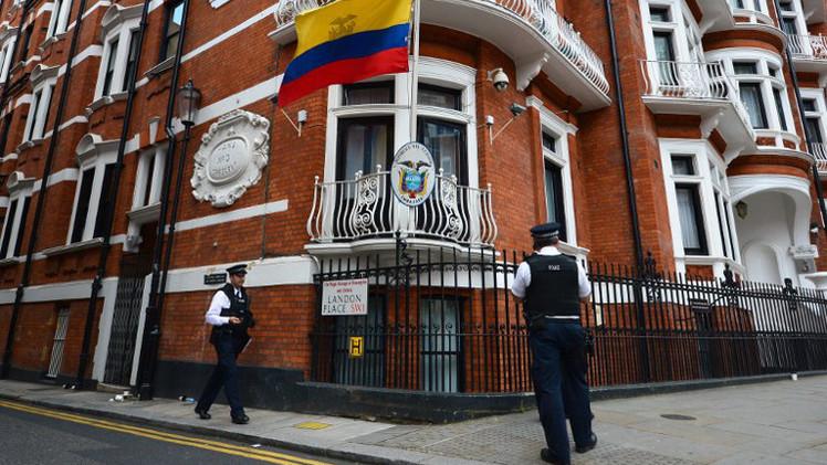 لندن تدعو محققا سويديا لاستجواب أسانج على أراضيها