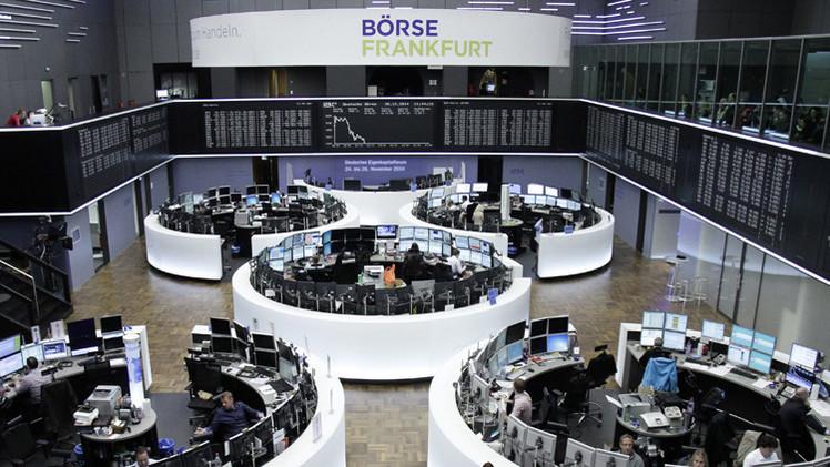 أسهم المصارف الأوروبية تدفع مؤشرات منطقة اليورو إلى الهبوط
