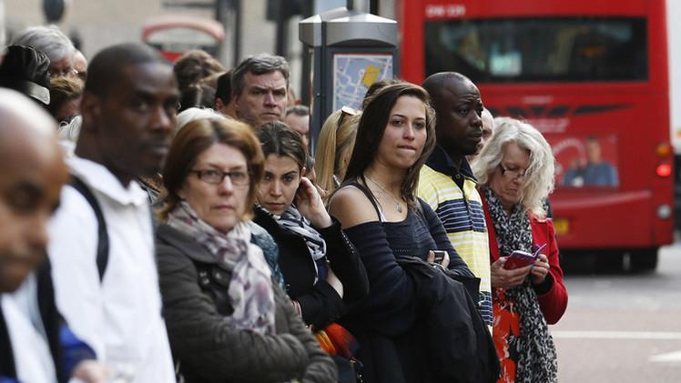دراسة: تجهم البريطانيين وكآبتهم تكمن في جيناتهم