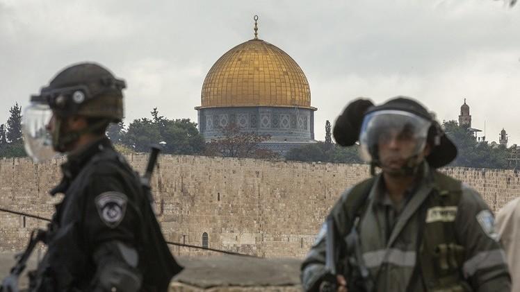 فتح بوابات المسجد الأقصى مع فرض قيود