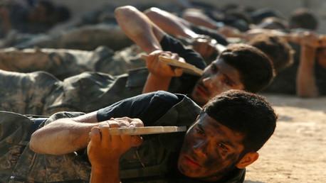 مقاتلون للمعارضة قرب الغوطة بريف دمشق