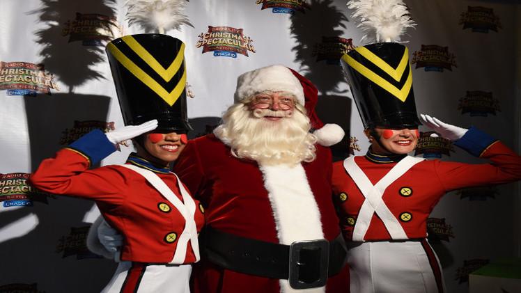 وفاة أشهر بابا نويل في الولايات المتحدة