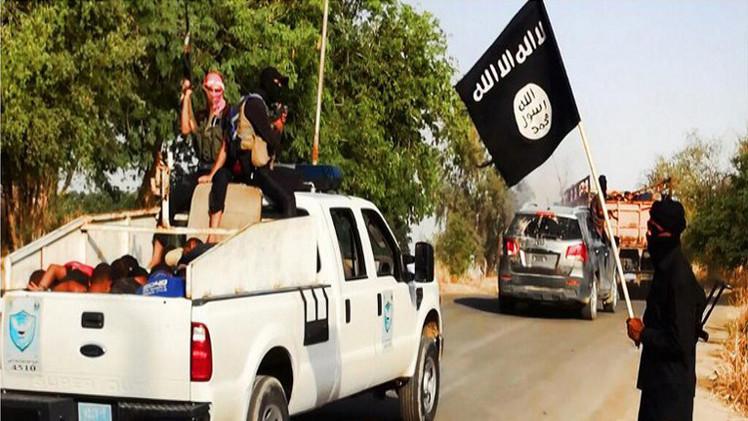 عشرات في مدينة ليبية يدينون بالولاء للبغدادي
