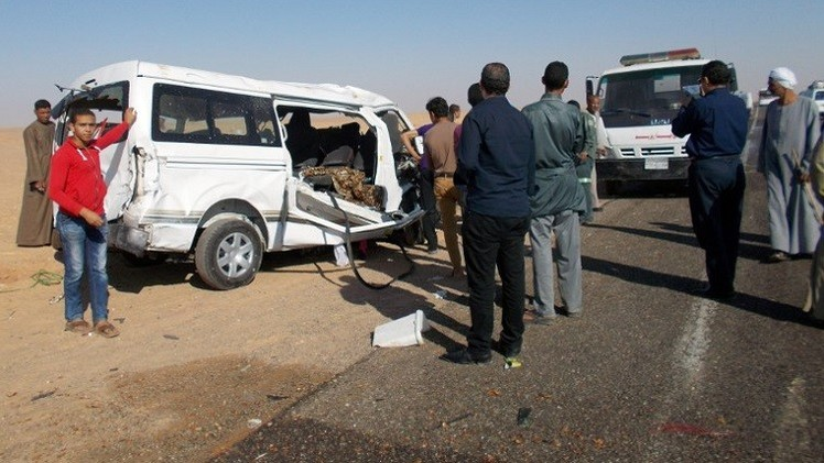 مصرع 12 شخصا بينهم طالبات بحادث مرور في صعيد مصر