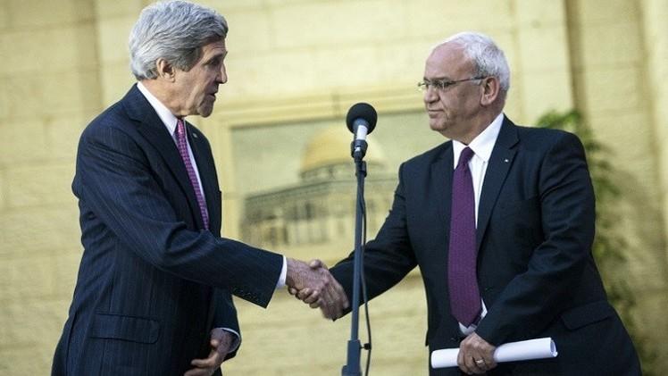 كيري يلتقي وفدا فلسطينيا لبحث العودة إلى طاولة المفاوضات