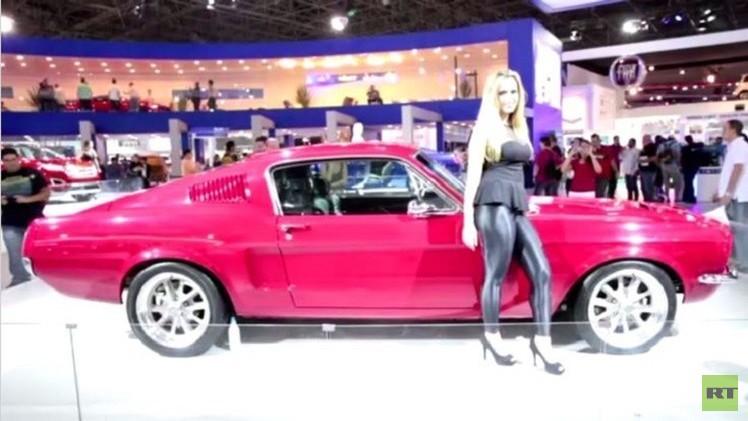 نماذج فاخرة وخارقة في معرض سان باولو للسيارات (فيديو)