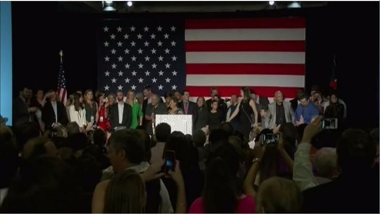 الجمهوريون يهيمنون على الكونغرس بعد فوزهم بالأغلبية في مجلس الشيوخ
