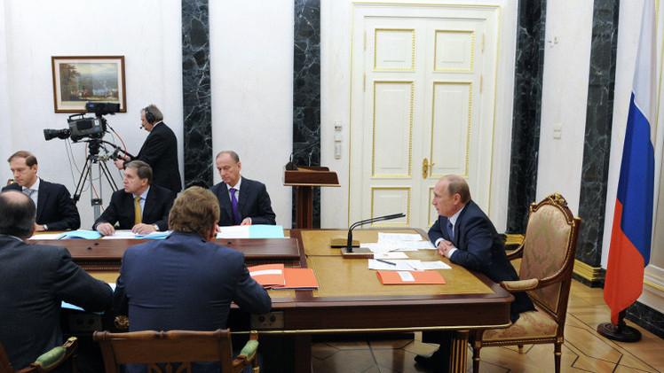 بوتين: الحرب الأهلية في أوكرانيا تتواصل رغم اتفاق مينسك
