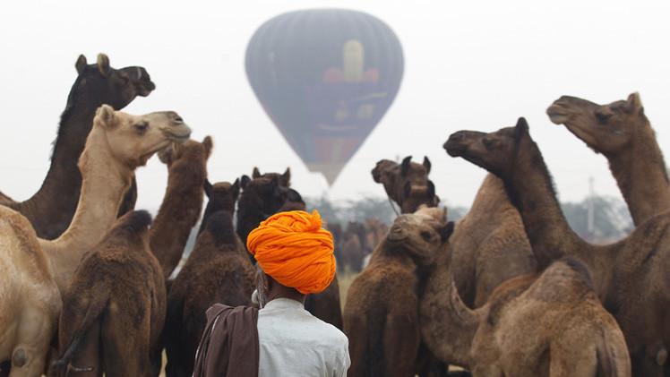 منطاد سياحي يهبط في سجن بالهند