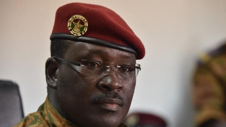بوركينا فاسو.. العسكر يرفضون تسليم السلطة إلى حكومة مدنية في أسبوعين