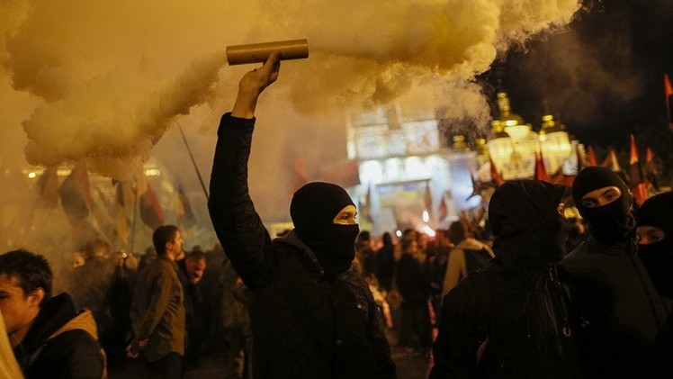 أوكرانيا.. اشتباكات بين قوميين وشيوعيين وسط خاركوف