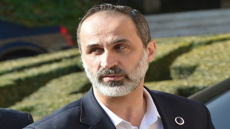 معارض سوري بارز يبحث أزمة سوريا مع لافروف