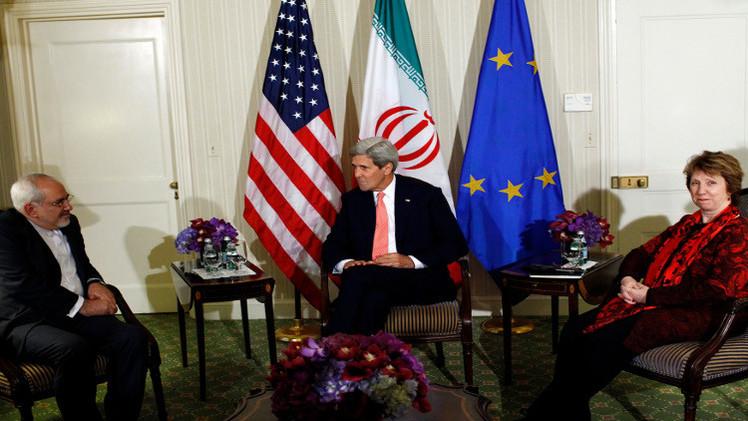 ايران والولايات المتحدة تتفقان على تمديد المفاوضات في عُمان