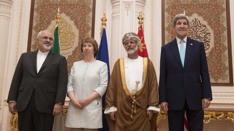 دبلوماسي: تقدم طفيف في محادثات كيري وظريف وآشتون في مسقط