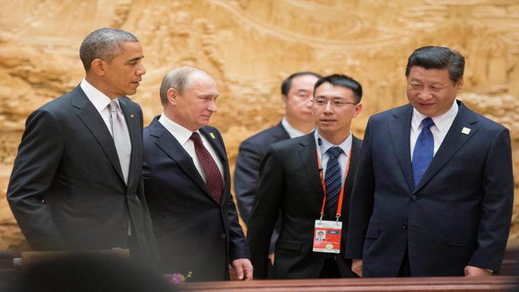 بوتين وأوباما يبحثان ملفات سوريا وإيران وأوكرانيا على هامش آبيك