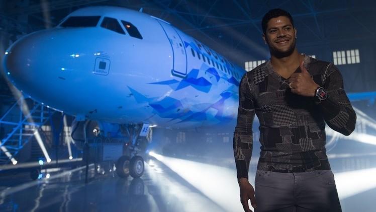 بالصور .. زينيت بطرسبورغ يقدم طائرته برسومات جديدة