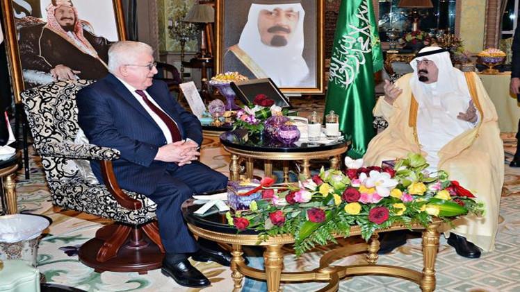 العاهل السعودي يبحث العلاقات الثنائية مع الرئيس العراقي