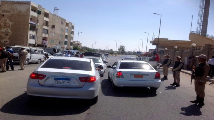 إصابة 10 أشخاص بانفجار سيارة مفخخة شمال سيناء