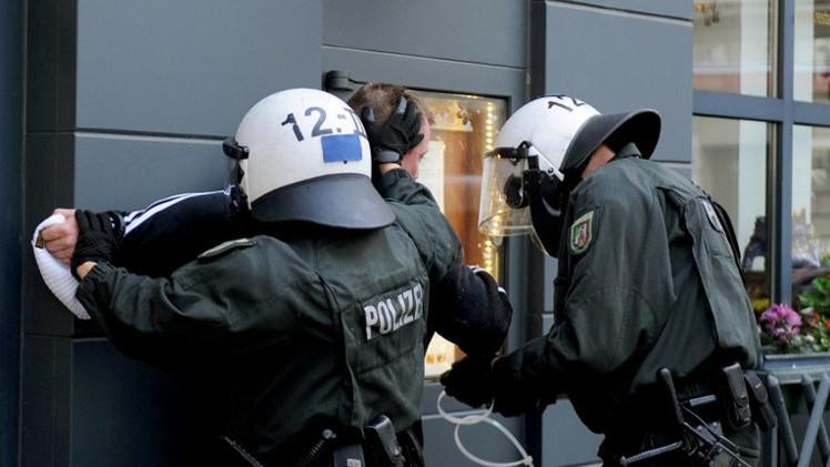 الشرطة الألمانية تحتجز 9 أشخاص يشتبه بدعمهم المتطرفين في سوريا