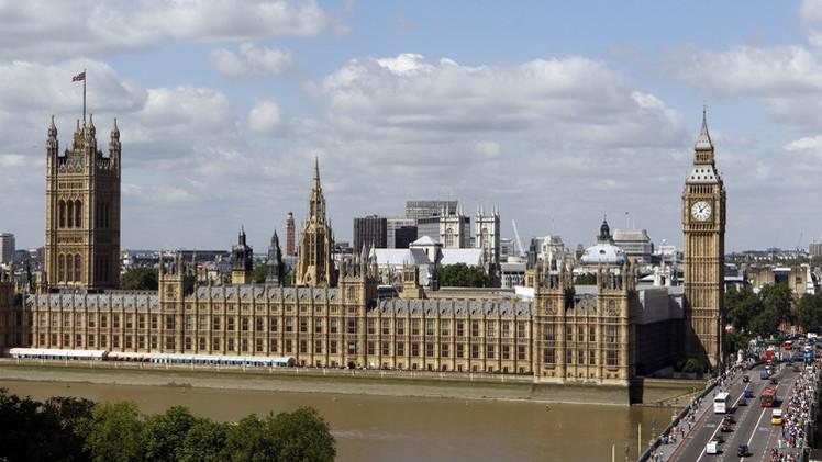 لندن تغرّم  5 مصارف 1.1 مليار جنيه إسترليني بتهمة التلاعب بسعر الصرف
