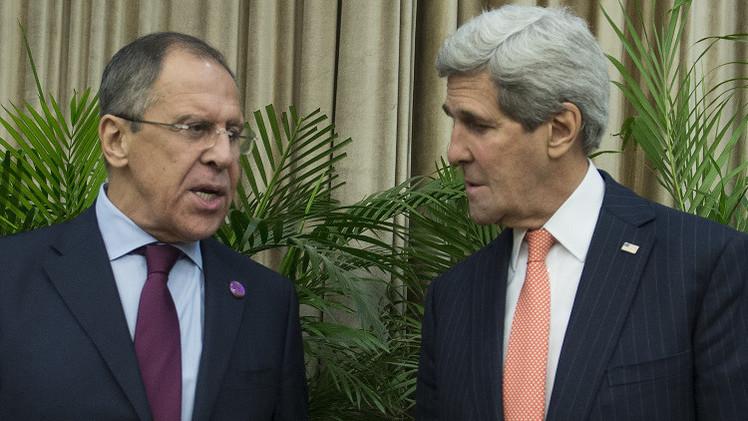 لافروف يؤكد لكيري ضرورة عدم إفشال تنفيذ اتفاق مينسك حول أوكرانيا