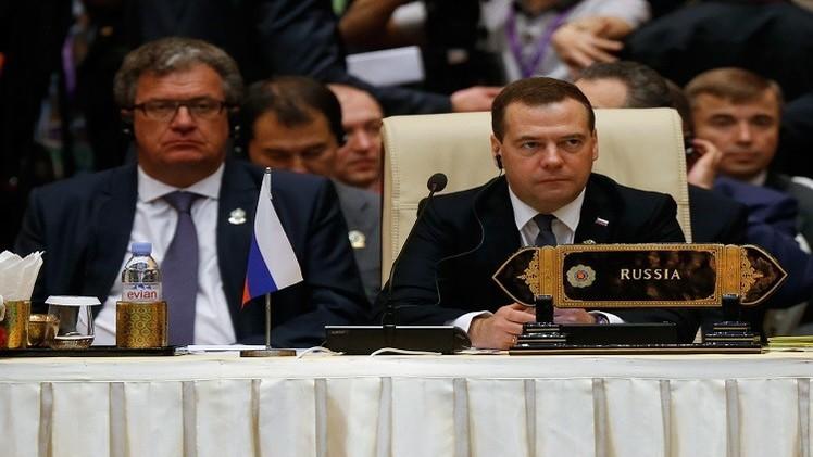 مدفيديف: العقوبات ضد روسيا تشكل ضغطا على النظام الاقتصادي العالمي بأكمله