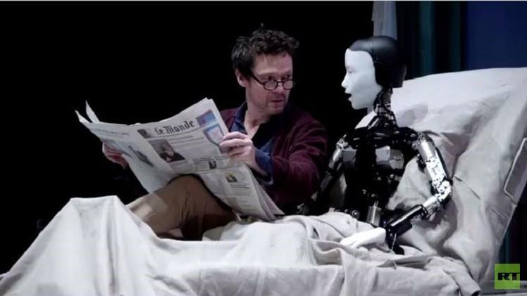 بالفيديو من فرنسا.. الروبوتات تدخل الفن المسرحي