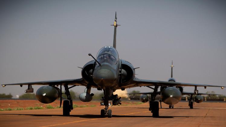 فرنسا تدرس نشر طائرات في الأردن لمحاربة