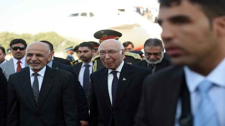 الرئيس الأفغاني يزور باكستان للمرة الأولى