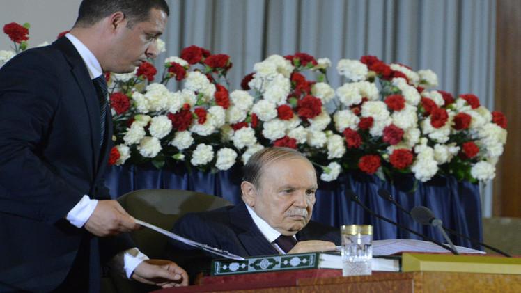 الرئيس الجزائري يغادر المستشفى