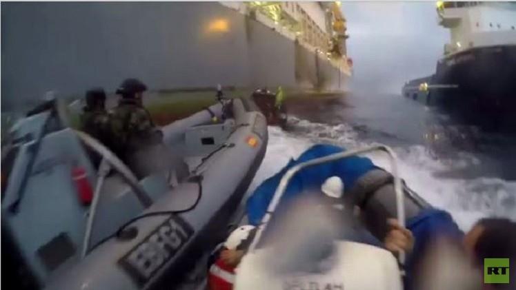 بالفيديو.. البحرية الإسبانية تهاجم زوارق تابعة لـ