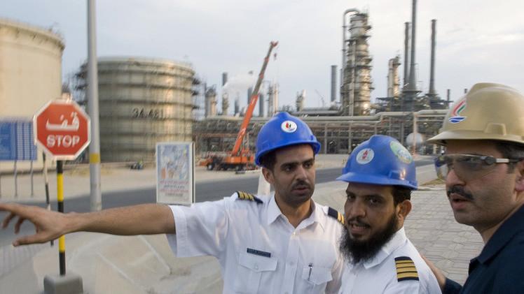 الكويت تخفف من المخاوف الناتجة عن تراجع أسعار النفط