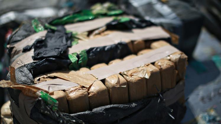اسبانيا...احتجاز زورق شراعي على متنه حوالي طن من المخدرات