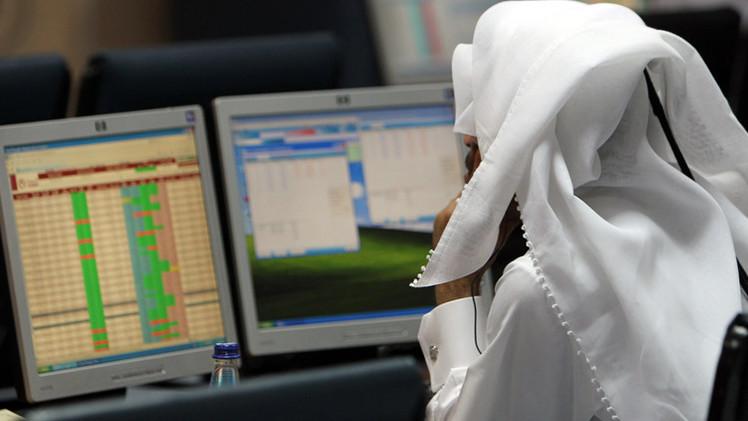 المؤشرات الخليجية ترتفع على خطا نظيراتها العالمية
