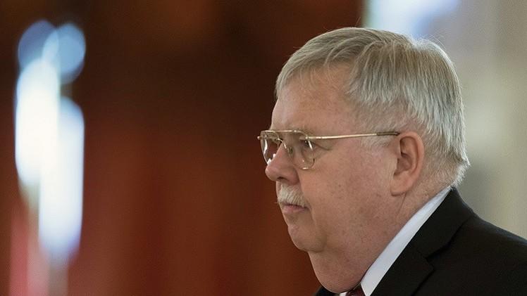 السفير الأمريكي في موسكو: علاقاتنا مع روسيا تواجه تحديات جديدة