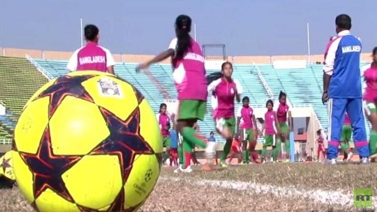 انطلاق فعاليات دورة كرة القدم النسائية في باكستان