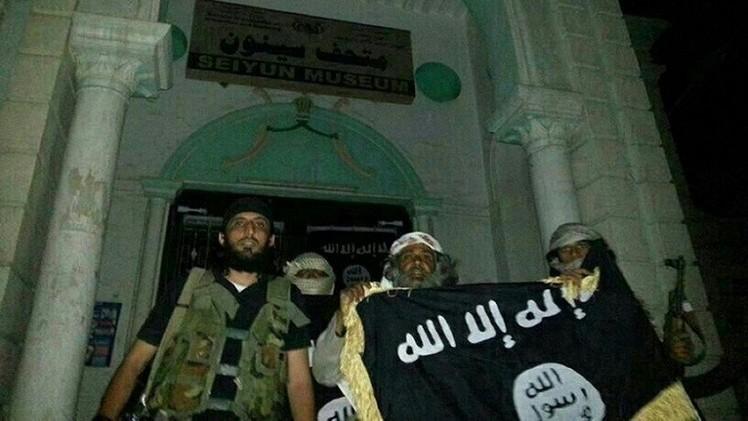تنظيم القاعدة يشن هجوما حادا على