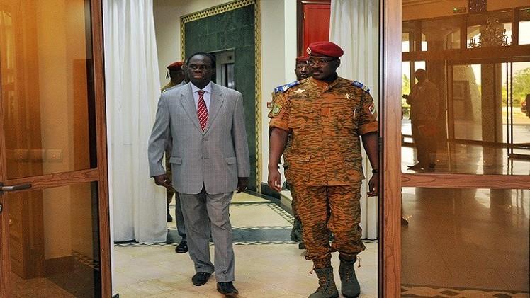 الرئيس الانتقالي في بوركينا فاسو يتسلم مهامه رسميا