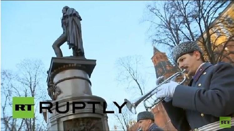 بالفيديو..بوتين يدشن تمثالا لألكسندر الأول بجوار الكرملين