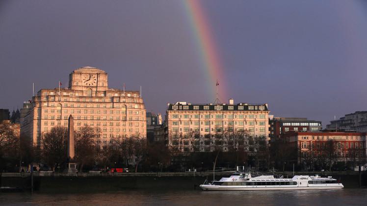 إصابة 12 شخصا بانفجار في فندق وسط لندن