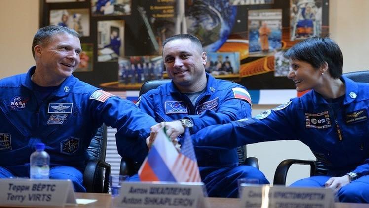 اللجنة الحكومية الروسية تقر طاقما جديدا للمحطة الفضائية الدولية