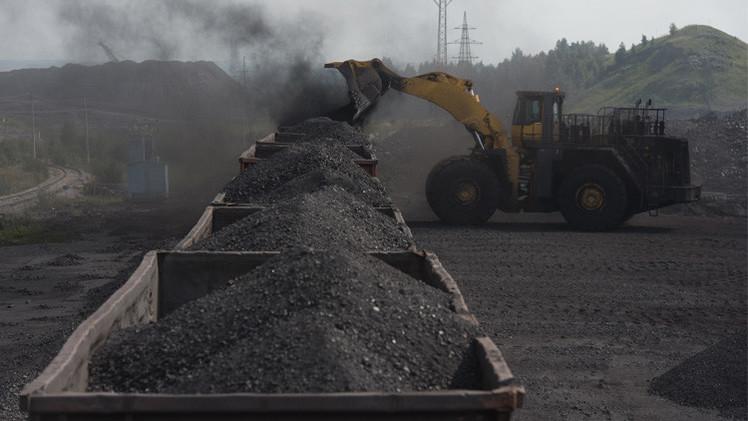 روسيا تنفي تعليق إمدادات الفحم الحجري إلى أوكرانيا