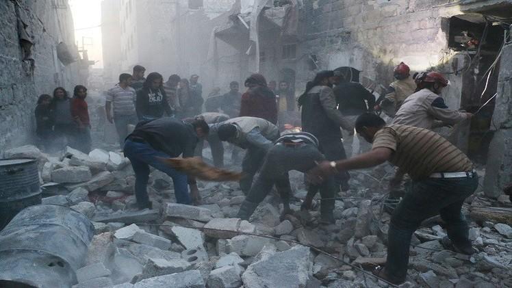 مقتل وإصابة أكثر من 300 شخص في قصف للرقة بسوريا