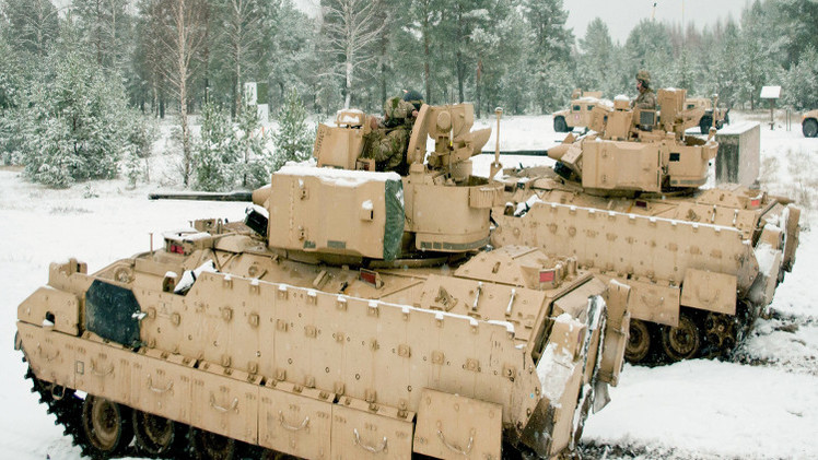 الناتو يعترف بارتباط نشر دباباته في شرق أوروبا بأحداث أوكرانيا