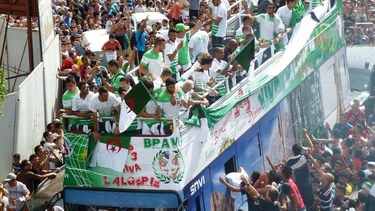 الجزائر تتراجع في تصنيف الفيفا الجديد ومصر تهبط 22 مركزا