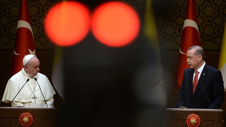 أردوغان يعرب للبابا فرنسيس عن قلقه إزاء تنامي الكراهية ضد الإسلام في العالم