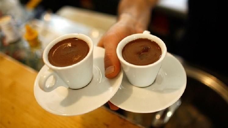 القهوة تخفض احتمال الإصابة بالزهايمر