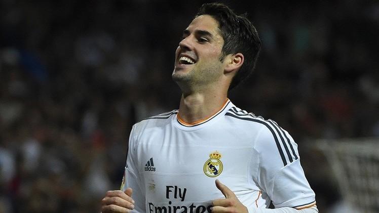 ريال مدريد يحدد سعرا خياليا للتخلي عن لاعب وسطه إيسكو