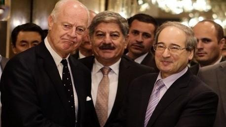نائب وزير الخارجية السوري فيصل المقداد يستقبل المبعوث الأممي دي مستورا