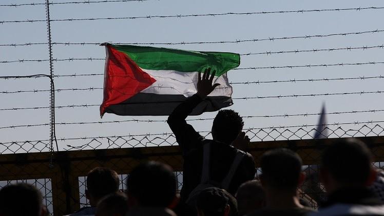 الأسرى الفلسطينيون يهددون بإضراب مفتوح عن الطعام